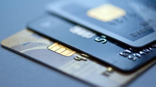 Zkušenosti: Kdy se nevyplatí platba kartou běžné banky