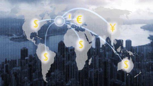 Srovnání: Jak nejvýhodněji naplatby a směnu peněz?