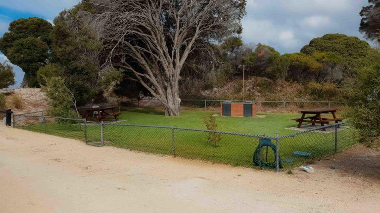 prostor pro grilování, ostrov Garden Island, Západní Austrálie