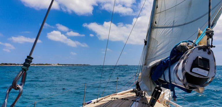 ostrov Rottnest Island na obzoru
