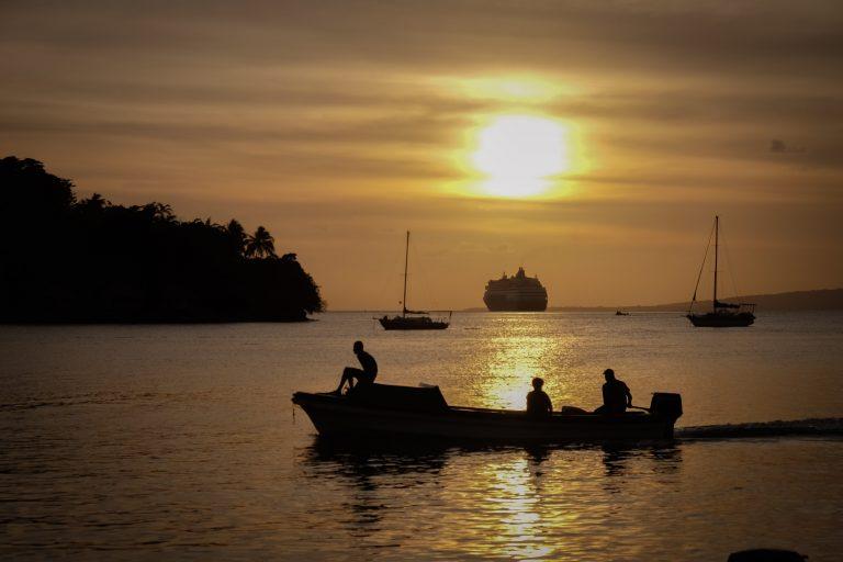 Západ slunce, Port Vila, Melanésie, Vanuatu, fotograf Lenka Martincová