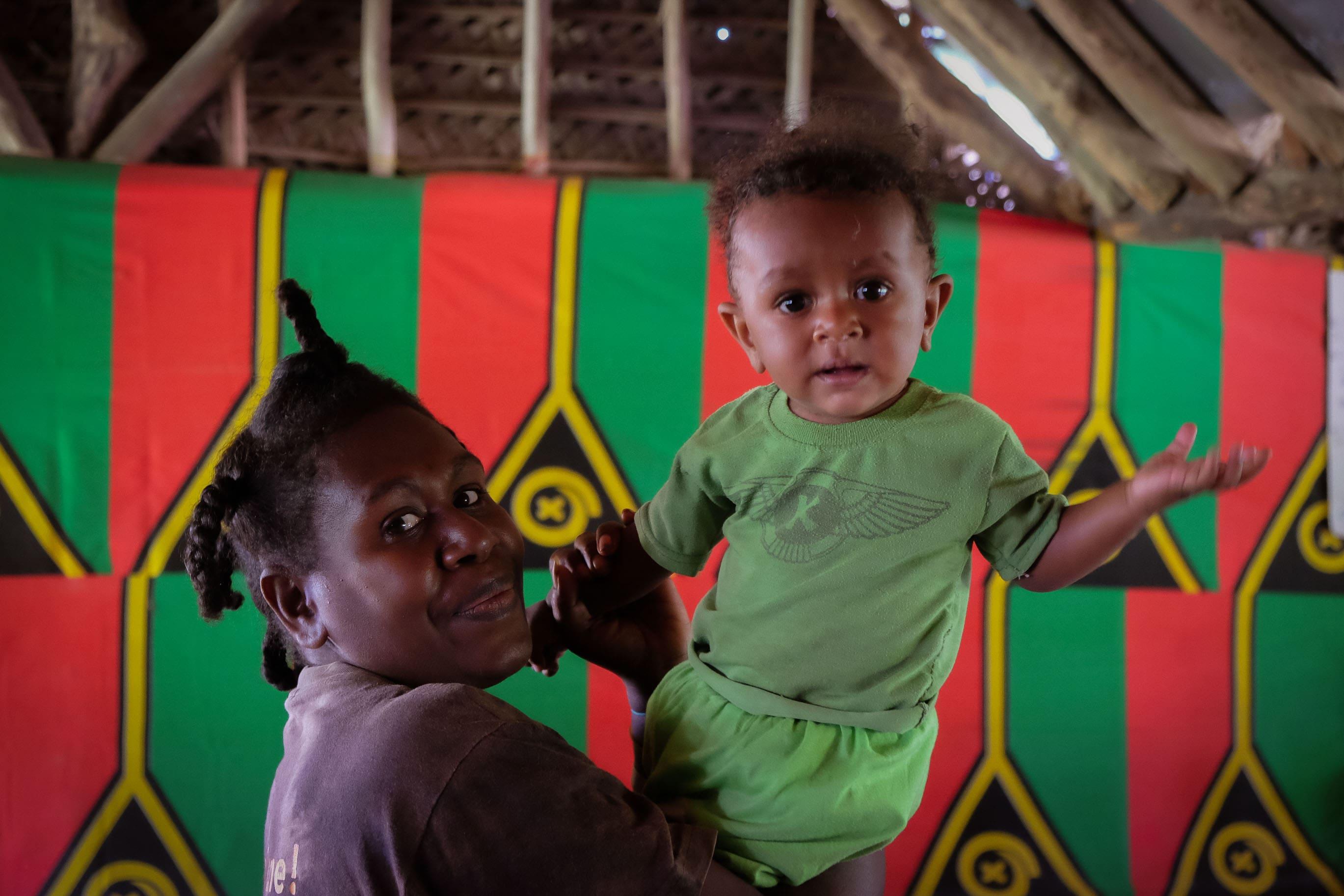 Matka s dítětem z Vanuatu, Melanésie, fotograf Lenka Martincová