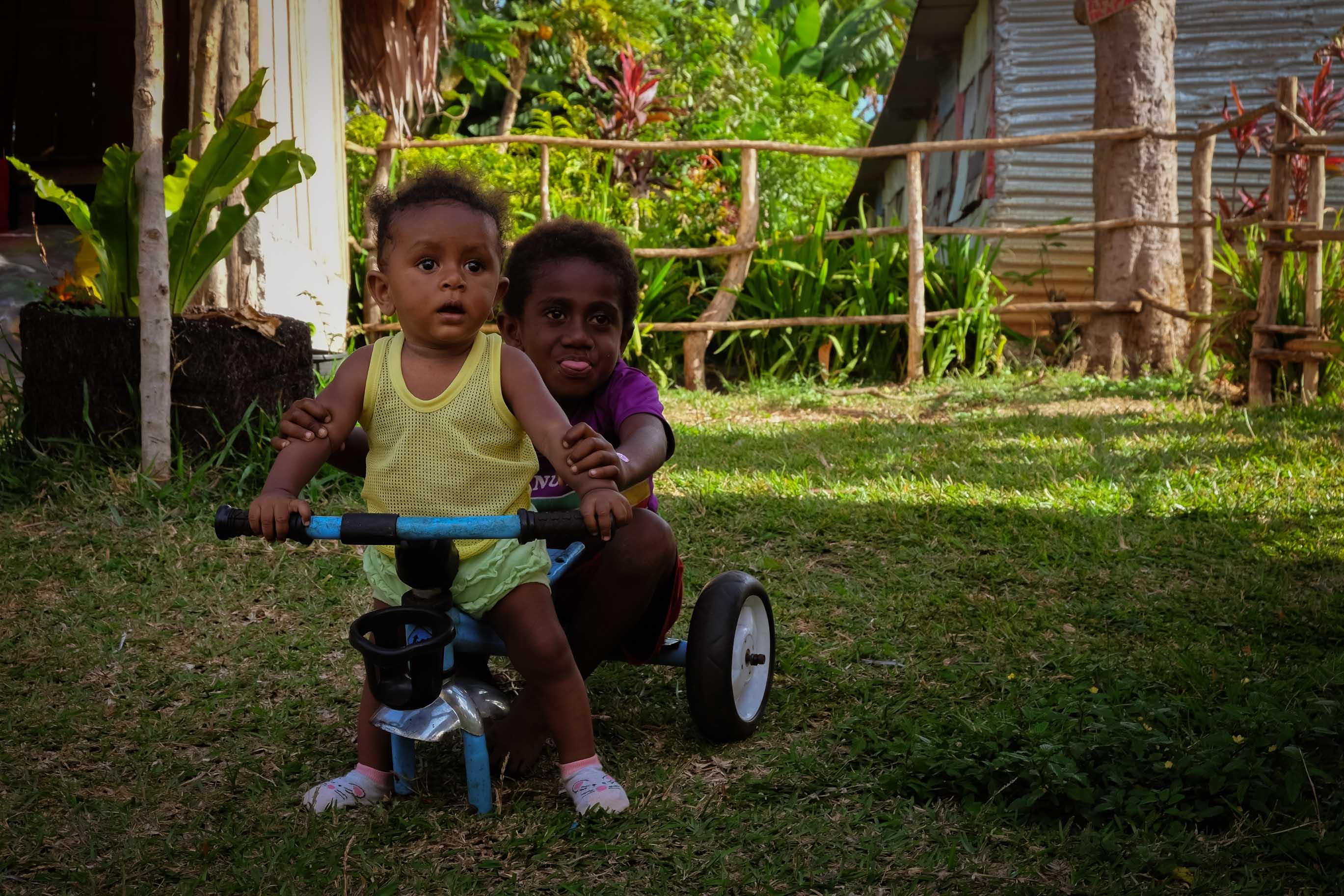 Děti ze školy na Vanuatu, Jižní Pacifik, Melanésie, fotograf Lenka Martincová